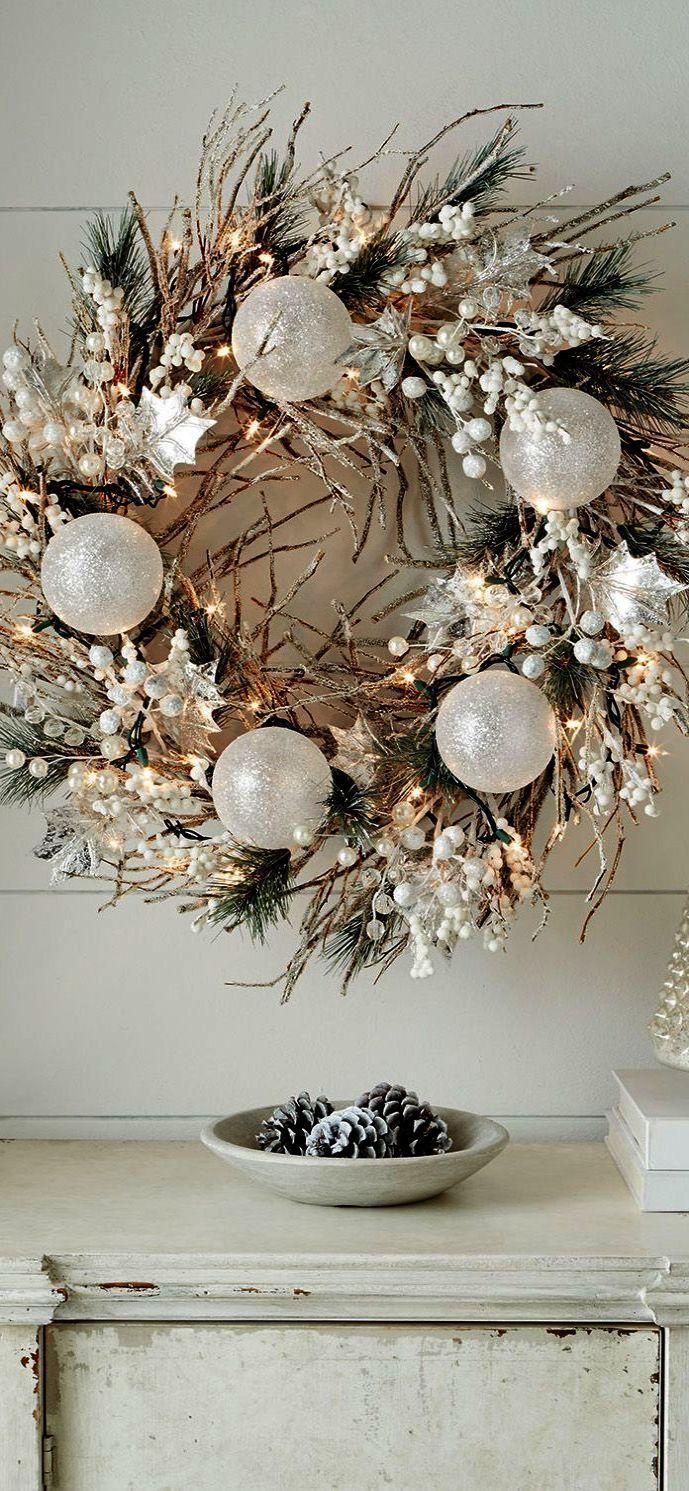 Christmas Wreaths Images Pinterest Christmas Wreaths White Christmas Wreath Christmas Decorations Wreaths