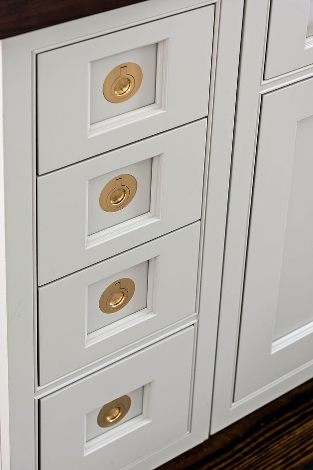 Kitchen Cabinet With Recessed Pull, High End Kitchen Drawer Pulls