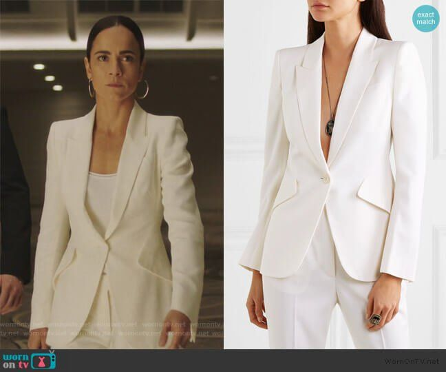 Teresa S White Blazer On Queen Of The South Queen Of The South High Fashion Outfits White Blazer