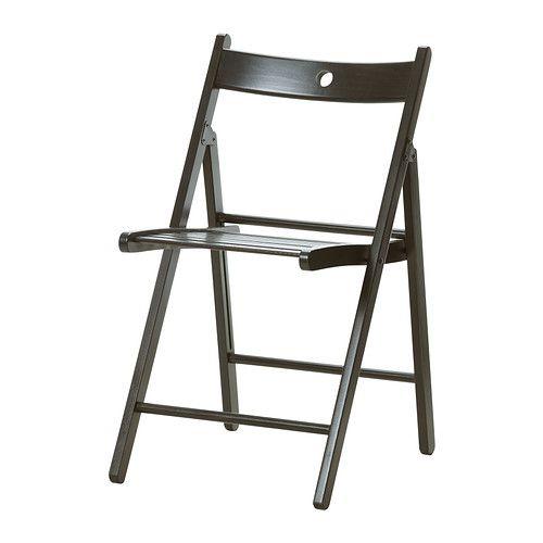 IKEA - TERJE, Chaise pliante, Vous pouvez replier la chaise pour gagner de la place lorsque vous ne l'utilisez pas.Le trou dans l'assise permet de suspendre le siège au mur pour gagner de la place.