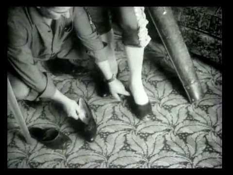 """""""Lejos de los árboles"""", Jacinto Esteva.(1963-1971) - YouTube"""