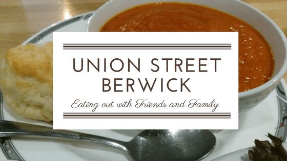 Eating out with friends and family at the Union Street in Berwick with www.ValleyFamilyFun.ca