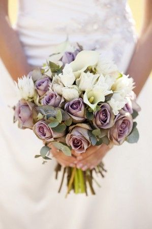 Native Bouquets, Peonies or Roses - How to Choose your Wedding Flowers