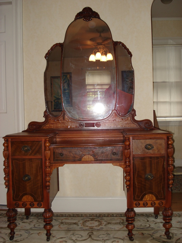Summer sale ornate victorian vanity dresser with mirror for Victorian bedroom furniture