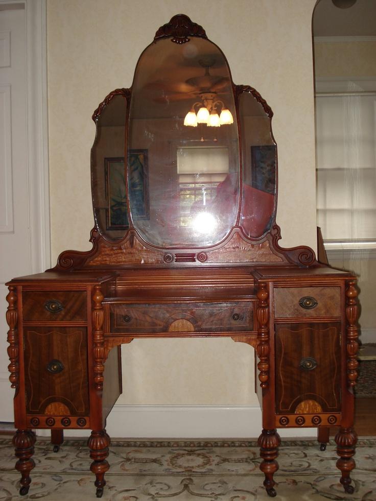 Antique Bedroom Vanities