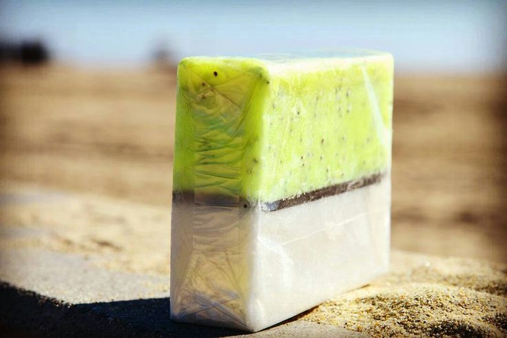 Lemon Poppyseed Soap. Lemon and Vanilla essential oils