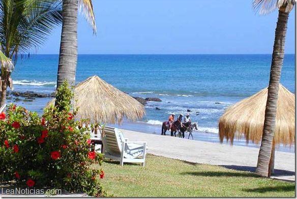 Perú inicia campaña para atraer turismo a zonas fronterizas con Chile y Ecuador - http://www.leanoticias.com/2014/07/25/peru-inicia-campana-para-atraer-turismo-a-zonas-fronterizas-con-chile-y-ecuador/