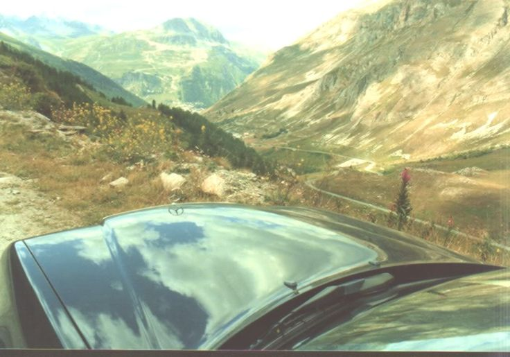 Mijn Mercedes hoog in de Franse Alpen