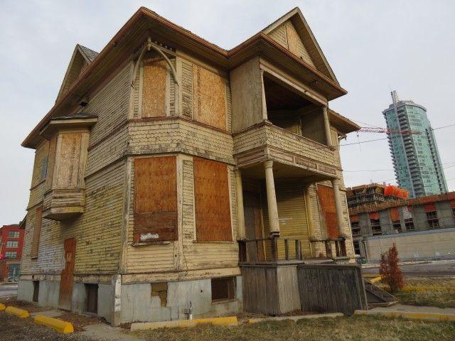 Enoch Sales House Calgary