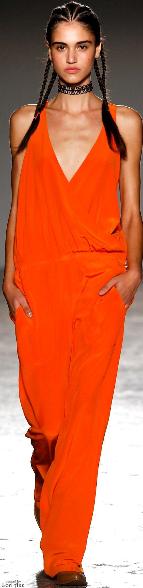 Cristiano Burani Spring 2016 RTW......  Plus, Register for the RMR4 International.info Product Line Showcase Webinar Broadcast at:www.rmr4international.info/500_tasty_diabetic_recipes.htm    ......................................      Don't miss our webinar!❤........