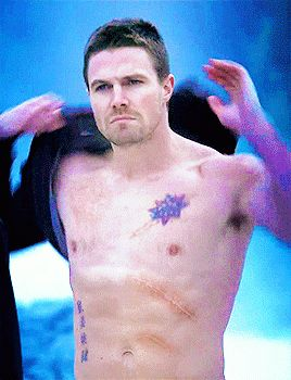 Stephen Amell as Oliver Queen in Arrow ohmygad i just love him..lucky of his wife cassandra for having this in her house hahaha lol <3 <3