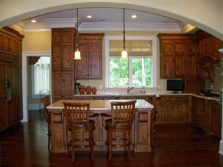 Custom amish built glazed knotty maple kitchen cabinets for Amish made kitchen cabinets