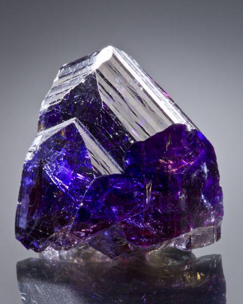 Vivid Tanzanite Blue Violet