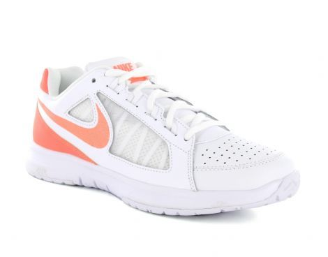 Nike – Women's Air Vapor Ace – Dames Tennisschoen - Deze witte Nike tennisschoen voor dames is een lichtgewicht en ademende schoen. De schoen heeft een goede demping in de hiel zodat u snel kunt verplaatsen en bijna elke bal kunt halen. #Nike #Tennisschoen #Damestennisschoen #Tennisschoenen #Damestennisschoenen #Tennis