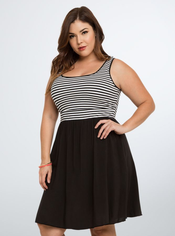 With silhouettes ranging from classic skater and peplum styles to plus size A-line dresses, you'll find something to wear on every occasion. We have plus size strapless dresses, plus size lace dresses, sundresses, maxi dresses, gorgeous cocktail dresses, rompers & jumpsuits and more.