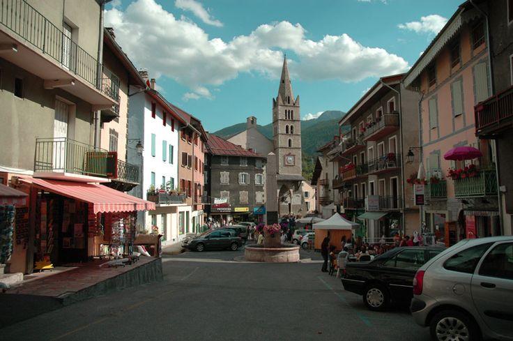 Guillestre, Place Albert Hautes-Alpes
