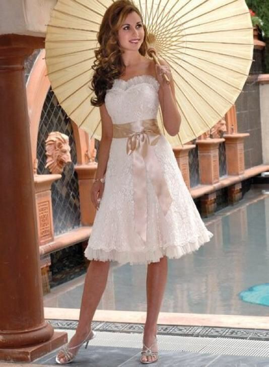 Korte bruidsjurk van kant op maat sexy strapless trouwjurk