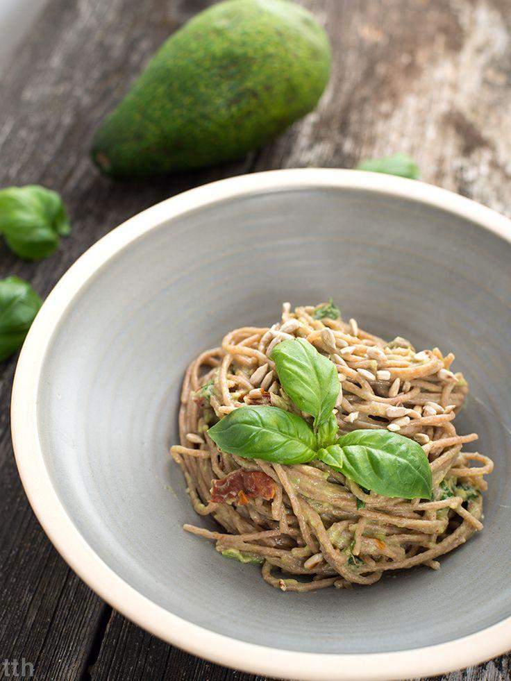 Spaghetti z awokado