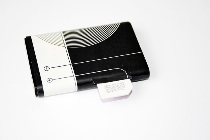 Baterie microfon spion GSM    :  http://spy.store.ro/microfoane-spion/575/  In ziua de azi telefoanele au devenit o necesitate.O puteti amplasa oriunde acasa, la munca fara sa atraga atentie sau suspeciuni.Aces dispozitiv functioneaza foarte simplu.Se introduce cartela SIM in dispozitiv.Datorita dimensiunilor foarte reduse a microfonului, capatul cartelei SIM trebue taiat.