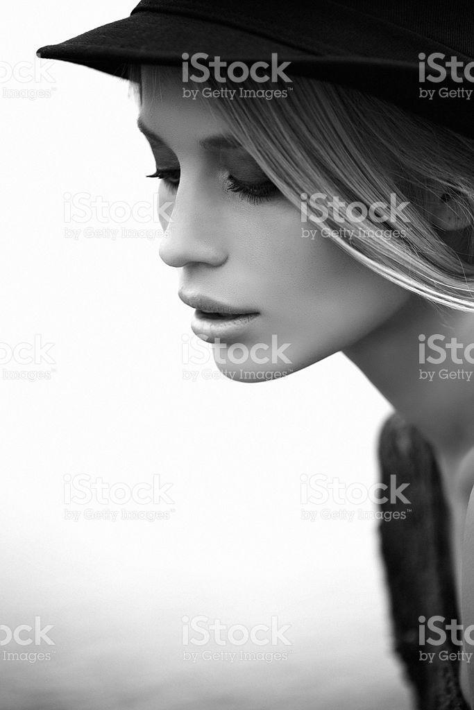 Портрет свежий и Симпатичная женщина – роялти-фри стоковая фотография