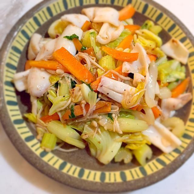中華料理店で食べたのが美味しくて 思い出しながらつくってみたらバッチリ! - 11件のもぐもぐ - イカセロリの中華風野菜炒め by ykmama