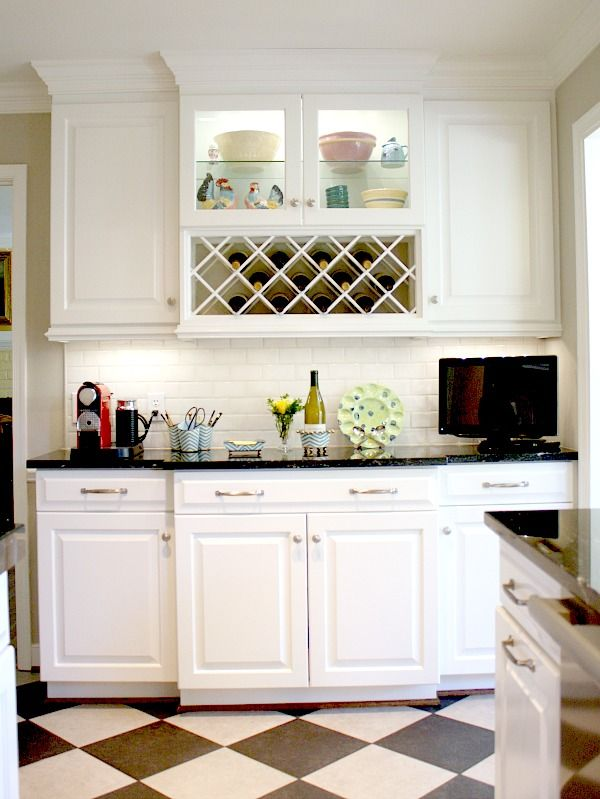 "I love this Black and White Kitchen Remodel with ""Milky Way"" Granite kitchen counters #homeimprovement #kitchenremodel"