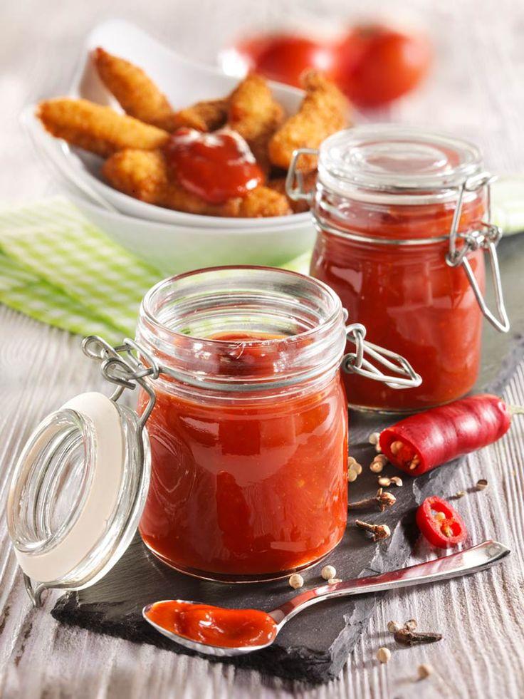 Aromatisches Ketchup aus frischen Tomaten, braunem Zucker und Chili! #Tomate #Ketchup #Chili #Scharf #Soße #Rezept