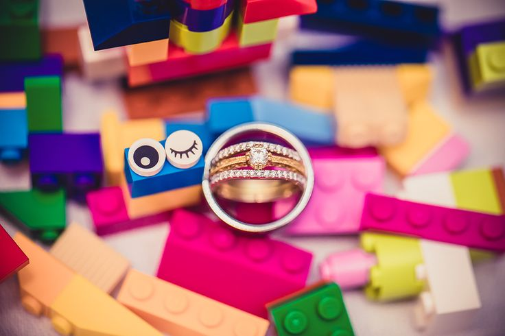 Lego Inspired Colorful Wedding | photos by Lyndsi Metz Photography | The Pink Bride®️ www.thepinkbride.com