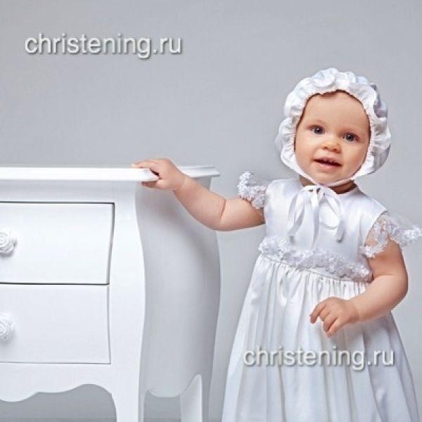 Стильная крестильная рубашка из коллекции Евангелина для современных мам. Красивые крылышки и кокетка платья расшиты вручную мелкими цветочками и бусинками, добавляют шарма и романтичности. Купить длякрещения девочки…