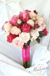 bukiet slubny różowe róże
