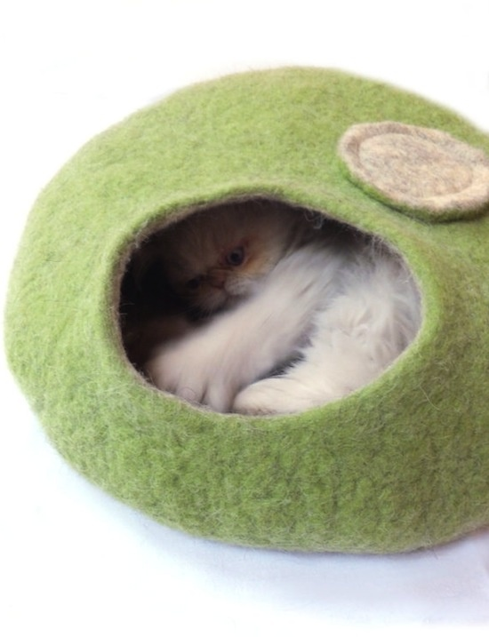 Does anyone have a pattern for this felted cat cave or one like it?