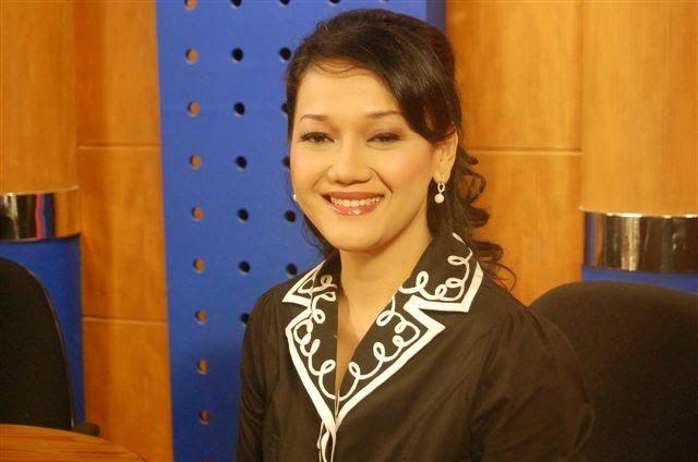 kiki widyasari pada salah satu acara bersama metro tv