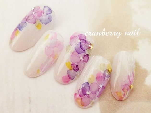 雨の日も爪から美しく♪梅雨にぴったりな紫陽花ネイル - Yahoo! BEAUTY