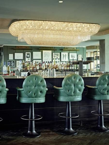 Soho House Berlin Club Floor Bar chand._500x667.jpg (450×600)