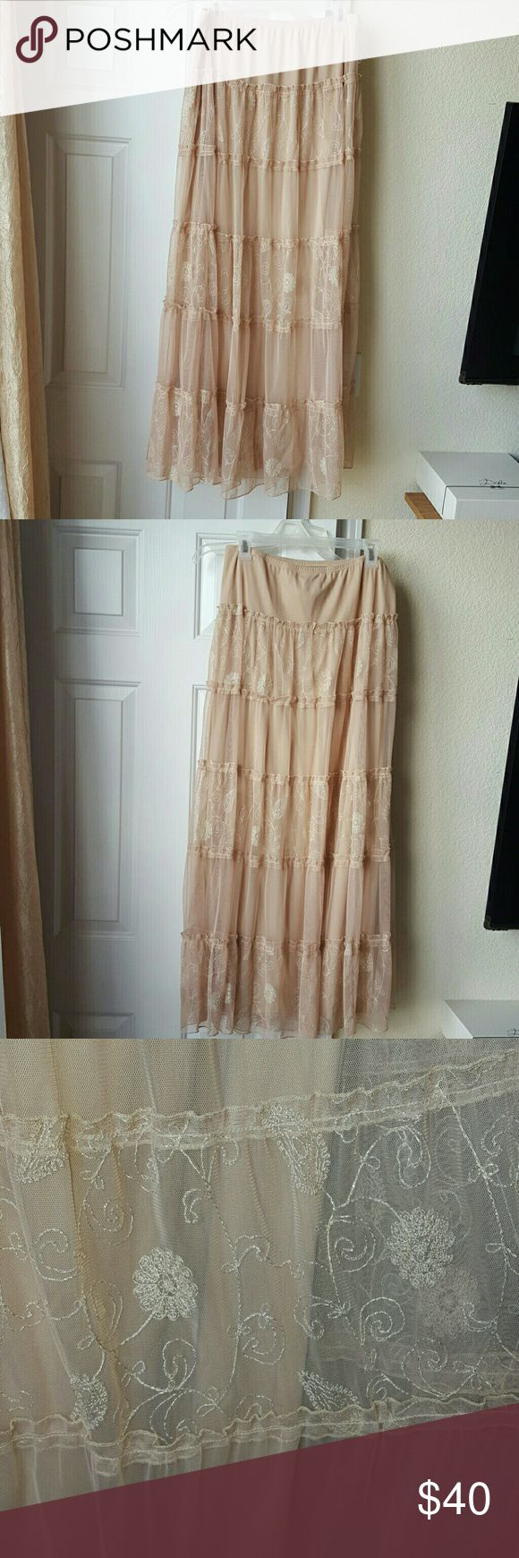 Heart Moon Star Maxi Skirt Small Gorgeous beige maxi skirt with gold embroidery! Worn once and there is a small snag in the lining as pictured but no other wear. heart moon star Skirts Maxi
