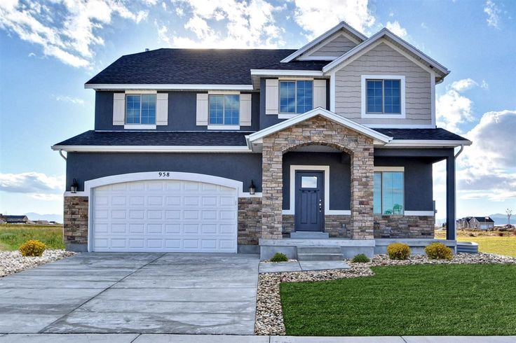 11 best craftsman style custom homes images on pinterest for Craftsman custom homes