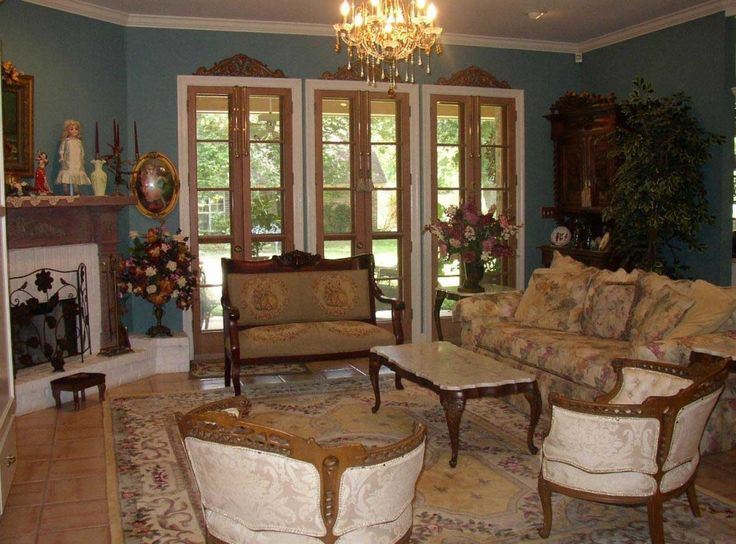 French Style Furniture Glamour And Clic Country Living Room