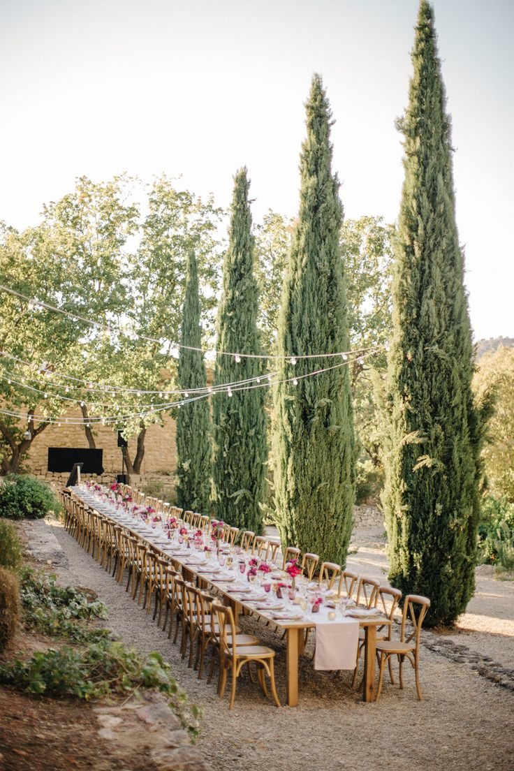 Al fresco long wedding table decor: Photography : M&J Photography Read More on SMP: http://www.stylemepretty.com/2017/03/27/wedding-weekend-in-provence/