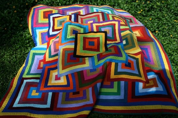 Quilt-Addicts Free Your Scraps: Scrap Quilts, Quilts Patterns, Crochet Quilts, Patchwork Quilts, Bright Quilts, Quilts Kits, Crochet Patterns, Rainbows Quilts, Quilts Addiction