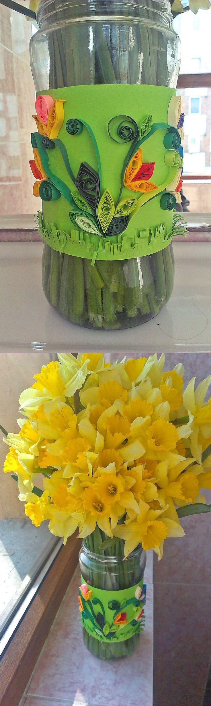 #diy #vase #jar #quilling #daffodils