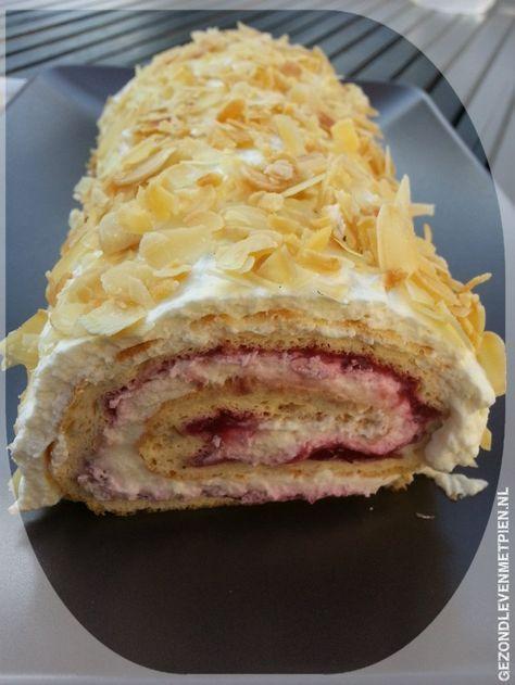 Een recept voor een Zwitserse rol koolhydraatarm en vrij van gluten, granen en suiker. Makkelijk te maken en een feestelijke presentatie. Gezond taart eten.