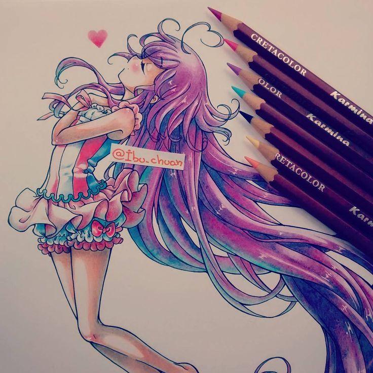 """Michan (^°^) """"Pencil cretacolor"""" Dibujo que hice hace un tiempo pero me sigue gustando úvu Aún estoy trabajando en los premios, ya que me gusta hacer bien las cosas, dibujos con dedicación es lo mio, y no me gusta entregar cosas apuradas. #originalcharacter #oc #kawaii #kawaiigirl #hairpurple #traditional #colorpencil #love #ai #instadraw #instaanime #cutegirl #adorable"""