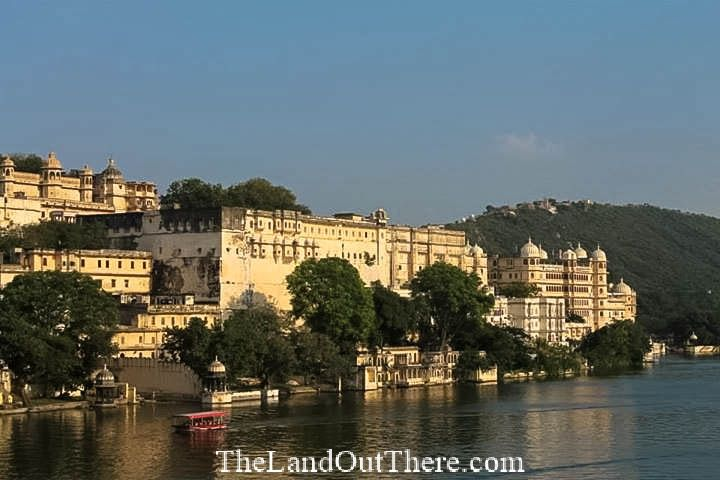 Venice of the East: Udaipur, Rajasthan  #TheLandOutThere #TLOT #Travel #TravelIndia #Backpacking #India #IncredibleIndia #Wanderlust #Rajasthan #RomanticCity