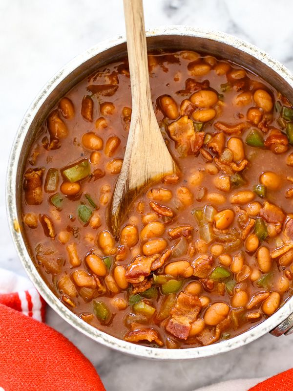 The Best BBQ Baked Beans and 5 More Baked Beans to Love #recipe on foodiecrush.com #barbeque #4thofjuly