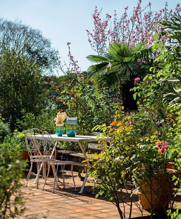 jardim-paisagista-rodrigo-oliveira-camelia-palmeira-leque-oliveira-cerejeira-manaca-de-cheiro (Foto: Gui Morelli/Editora Globo)