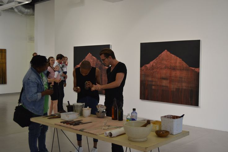 Jonathan Freemantle demonstrating his practice.  #artistdemo #jonathanfreemantle #capetown #gallerymomo