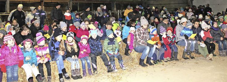 #Kinderstimmen erklingen im geschmückten Kuhstall - Badische Zeitung: Badische Zeitung Kinderstimmen erklingen im geschmückten Kuhstall…