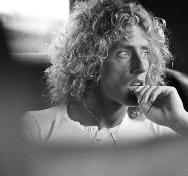 records-of-rock:Roger Daltrey is an absolute angel. My god, he is gorgeous.
