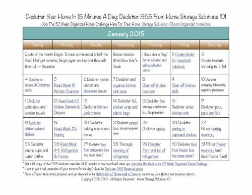 Here's the January 2015 declutter calendar with a daily 15 minute decluttering and organizing mission for each day of the month. Also includes a printable calendar. #homedecluttering