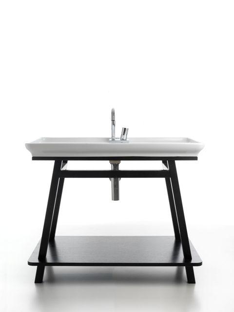 Naked and Trapezio, design Meneghello Paolelli Associati.  Lavabo e mobile bagno con telaio in legno wengè /  Washbasin and bathroom furniture with frame in wengé. #bathroom #bagno #washbasin #furniture #Artceram